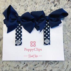 Poppy clips